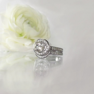 Herkimer champagne wedding set