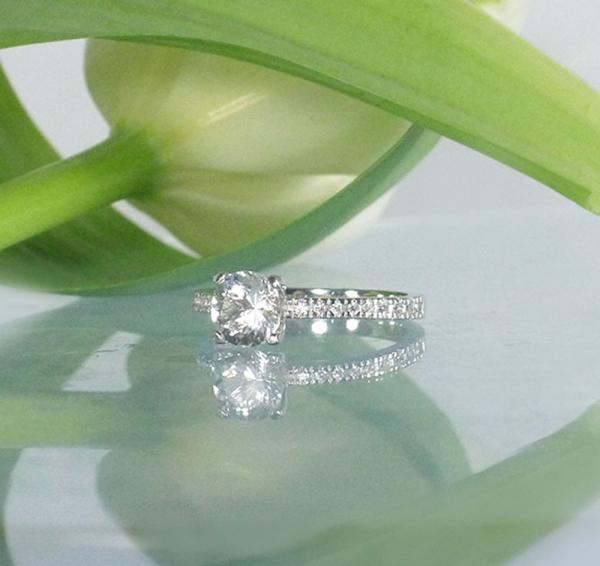 Dainty Round Engagement Ring