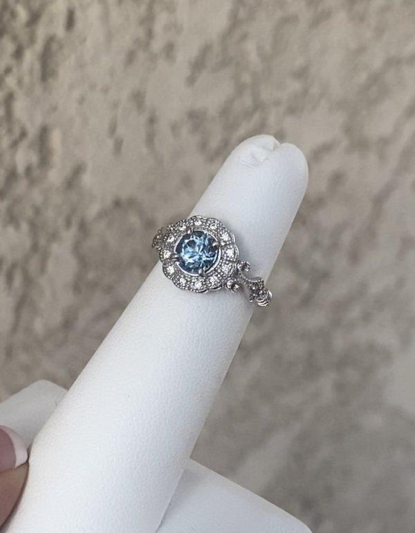 Antique Style Aquamarine Ring