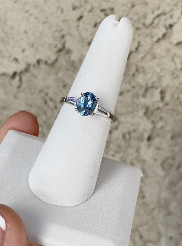 Oval Aquamarine Ring