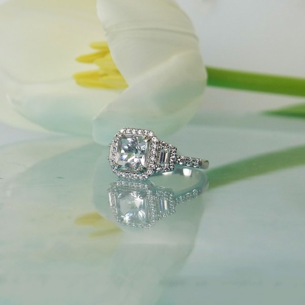 Square halo herkimer ring