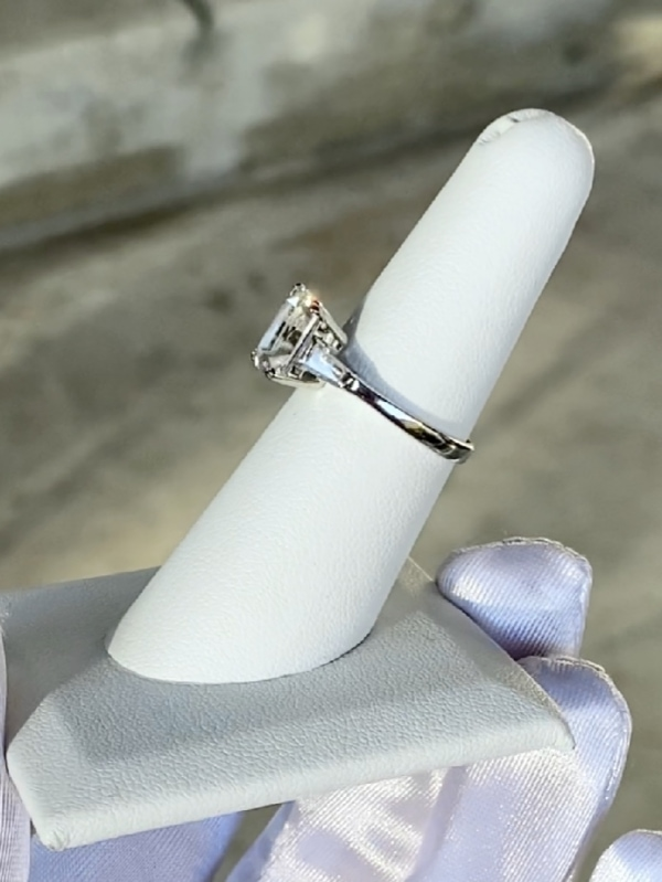 Classic scissor cut herkimer ring