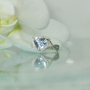 Triangle cut aquamarine ring