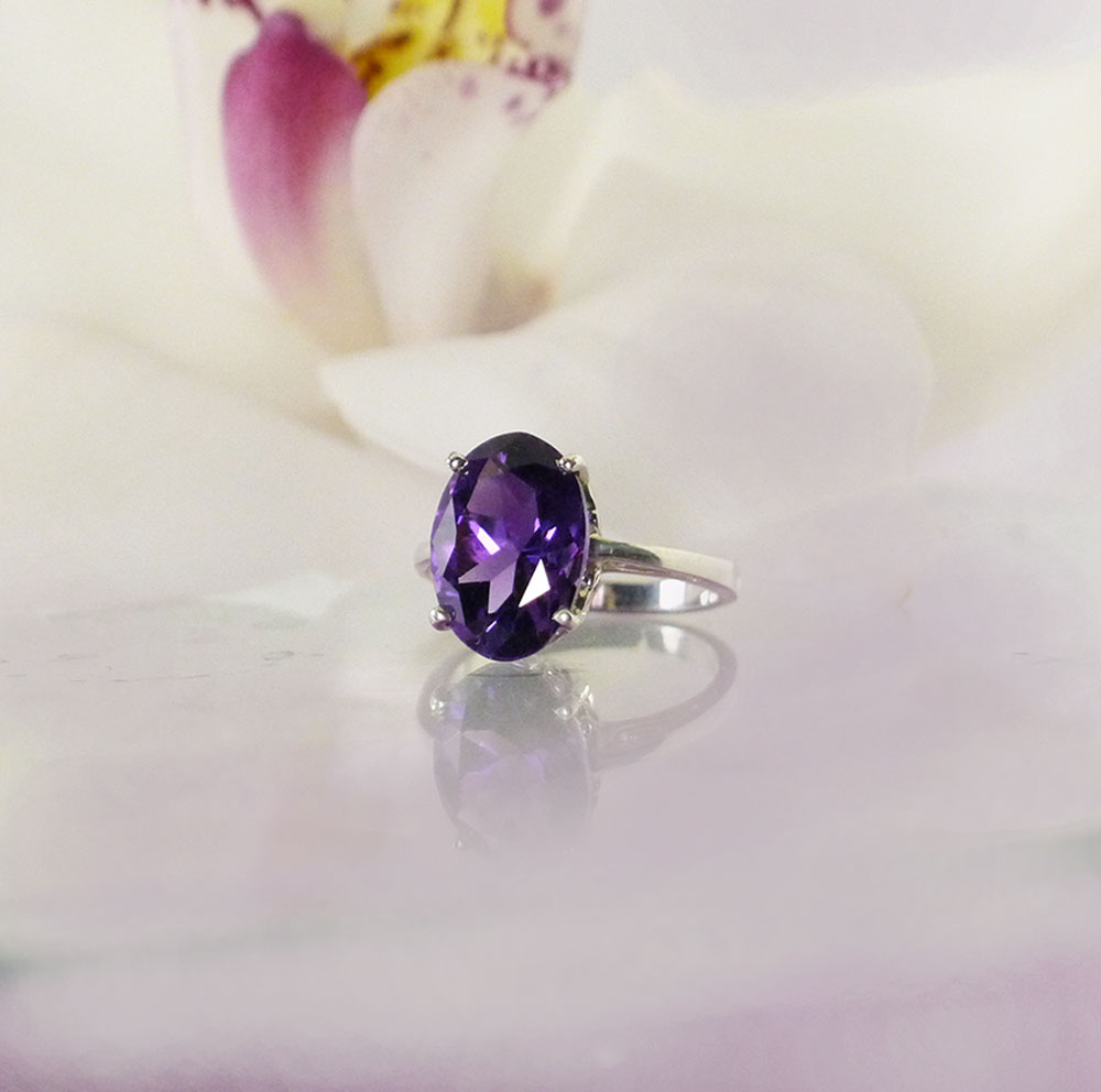 Large oval amethyst ring