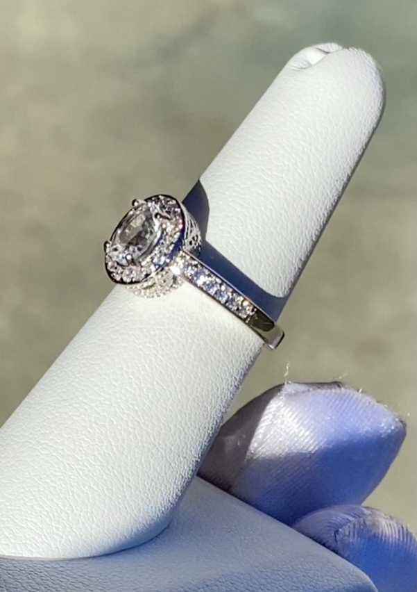 Oval halo herkimer ring