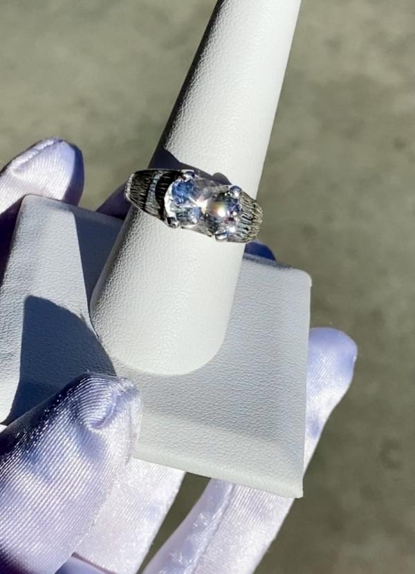 Unisex Oval Cut Ring