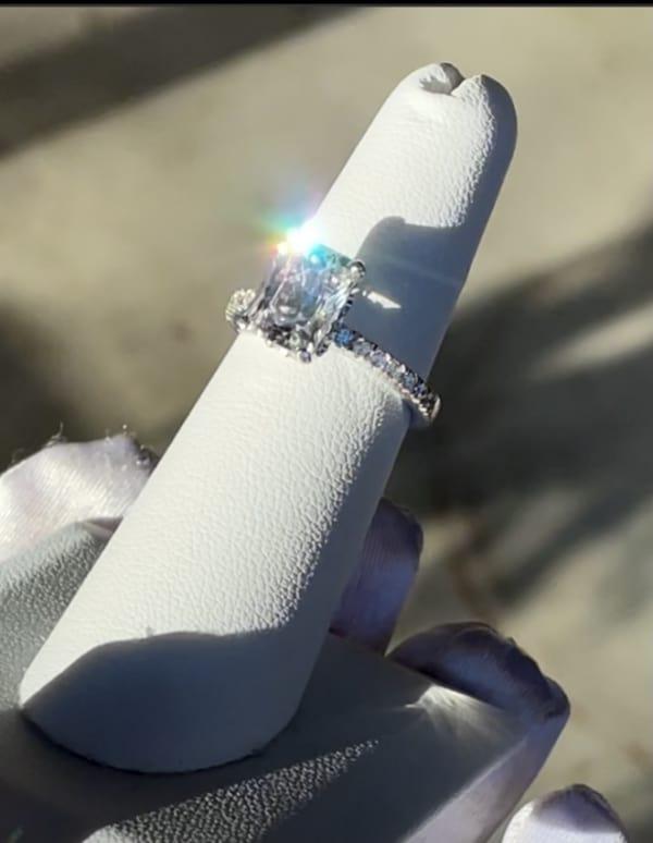 Hidden halo herkimer ring